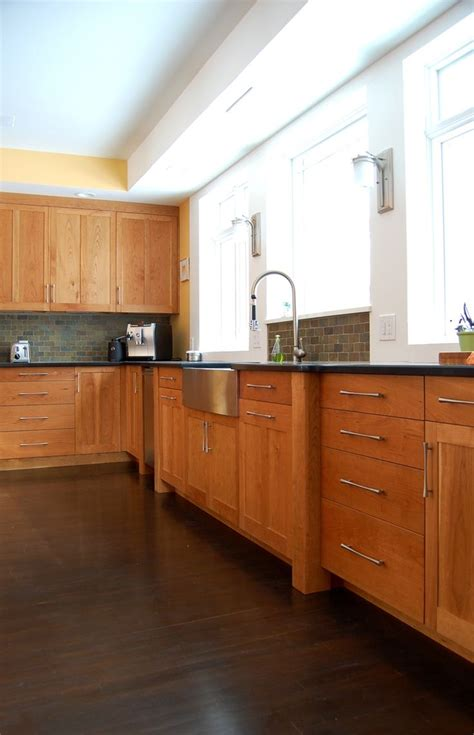 cherry wood cabinets with granite countertop 196 best images about backsplash on pinterest