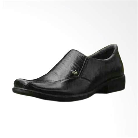 Pantofel Pria Kulit jual crocodile 01 pantofel kulit sepatu pria hitam