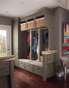 Kitchen Entryway Ideas Boot Benches And Mudroom Cabinetry Farmhouse Entry