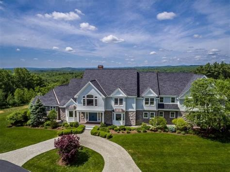 Homes For Sale Bedford by Homes For Sale In Bedford And Nearby Nh Real Estate Guide