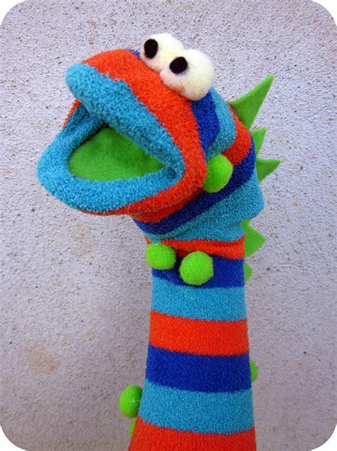 easy sock puppets easy sock puppet tutorial six stuff