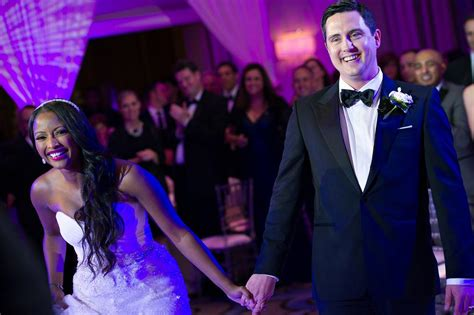 cnns isha sesay and leif coorlim wed access hollywoods it was magical cnn s isha sesay ties the knot with leif