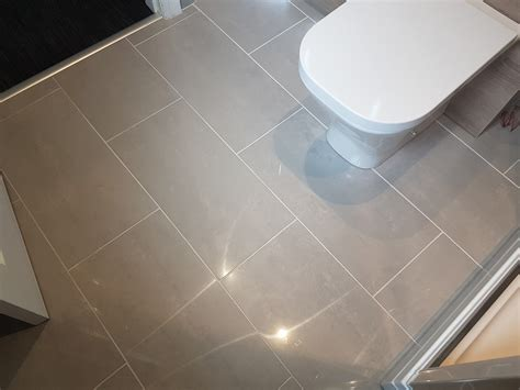 Polished Porcelain Floor Tile by Doblo Light Grey Polished Porcelain Floor Tiles From