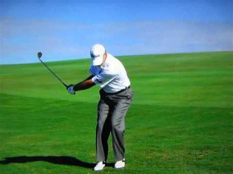 golf swing pitching steve stricker pitch shot slow motion golf videos