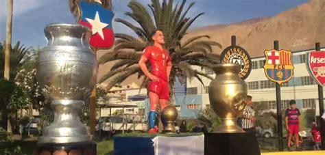 alexis sanchez statue video as 237 fue la inauguraci 243 n de la estatua en honor a