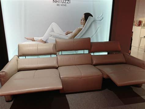 divani relax prezzi divano relax in pelle natuzzi a prezzo scontato