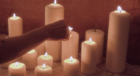 candele gif candles gifs find on giphy