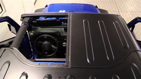 jeep hardtop removal remove hard top panels 2015 jeep wrangler sam leman