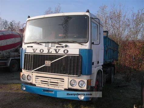 volvo    sided tipper truck photo  specs
