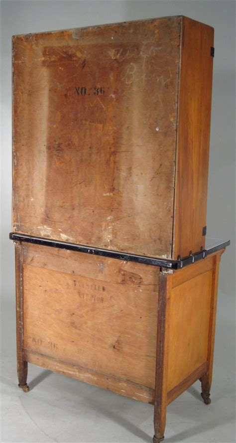 sellers kitchen cabinets igavel auctions hoosier baking cabinet made by sellers