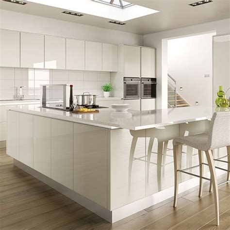 hi gloss white kitchen with l shaped island gloss