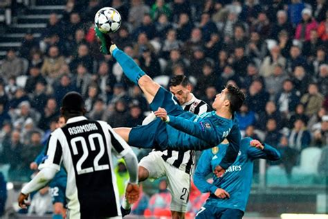 ronaldo 7 juventus barcelona juventus 0 3 real madrid ronaldo s bicycle kick stuns the world