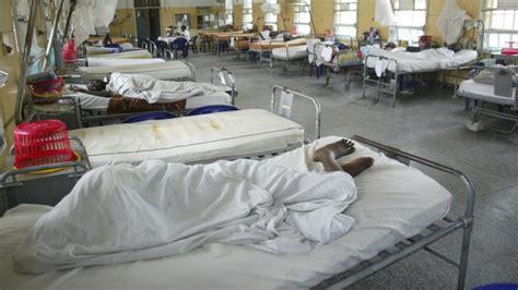 im krankenhaus liegen viele tote bei anschlag auf wm viewing b z berlin