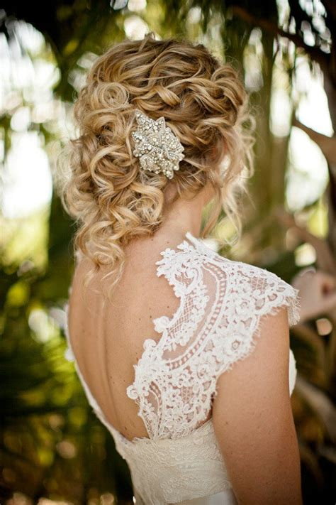 Wedding Hairstyle Accessories by Wedding Hairstyles With Accessories 5 Dipped In Lace