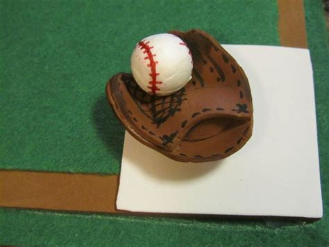 forrar pelota con goma eva apexwallpapers com co guante y pelota de beisbol en goma eva manualidades