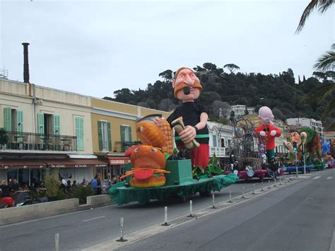 file floats at the 2010 nice carnaval jpg
