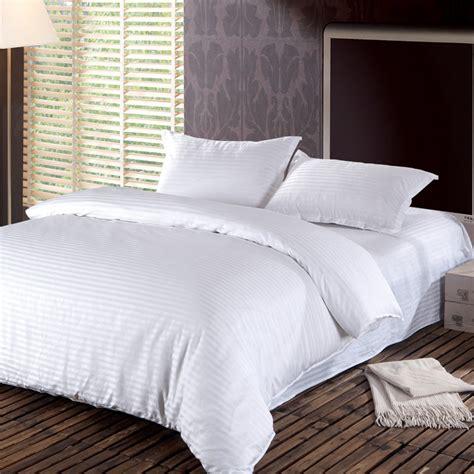 Simple Bedding Sets Hotel Cotton Satin Stripe Comforter Bedding Set Plain Simple Duvet Cover Set 3pcs Housse De