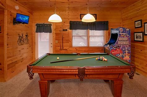 pool tables sevierville tn cabins at the crossing 2 bedroom pigeon forge cabin rental