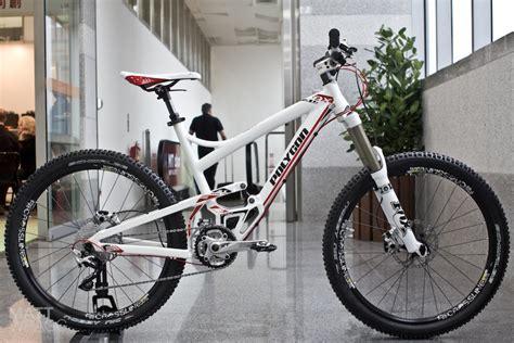 Grip Sepeda Mtb look polygon s new downhill bike pinkbike