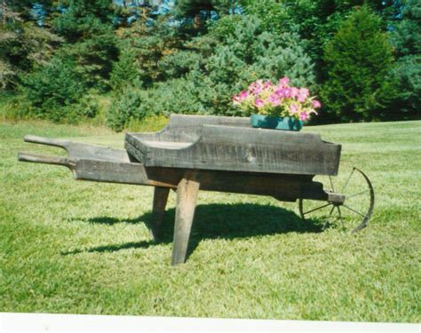 Large Wooden Wheelbarrow Planter by Large Wooden Wheelbarrow Plans Hardware Wagons Barrows