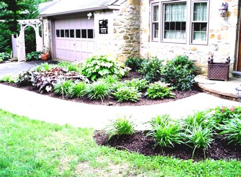 Front And Backyard Landscaping Ideas by Wonderful Simple Front Garden Ideas With Green Grass And