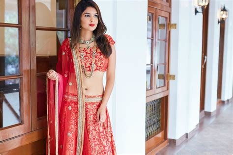 top 10 bridal dress designers in mumbai