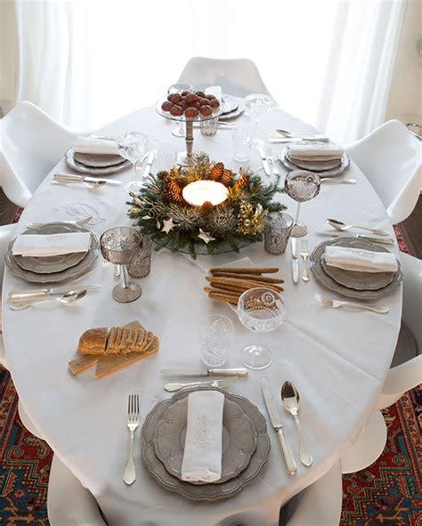 apparecchiare una tavola elegante la tavola di natale ricomincio da quattro