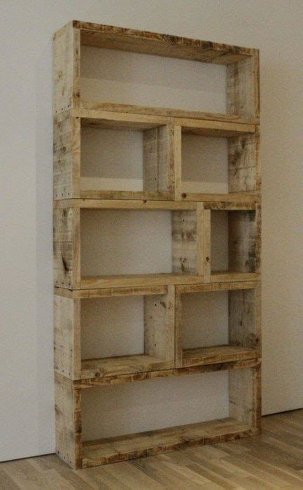 dyi book shelf out of pallets crafts