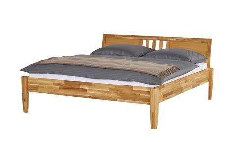 bettgestell bestellen massivholz bettgestell timber breite 216 cm h 246 he 93 cm