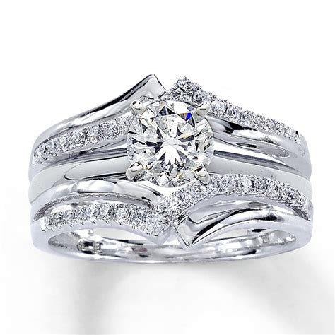 The most beautiful wedding rings: Solitaire wedding ring wraps