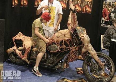 imagenes raras de halloween la moto mas rara del mundo marcianos