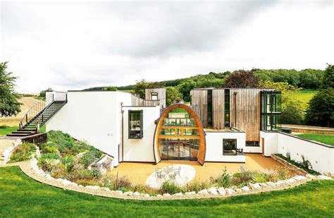 builds   budget homebuilding renovating