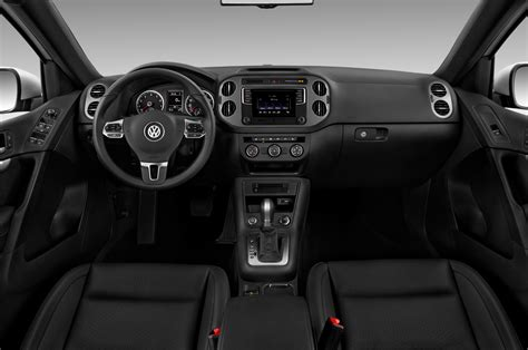 volkswagen tiguan black interior 2017 volkswagen tiguan cockpit interior photo automotive com