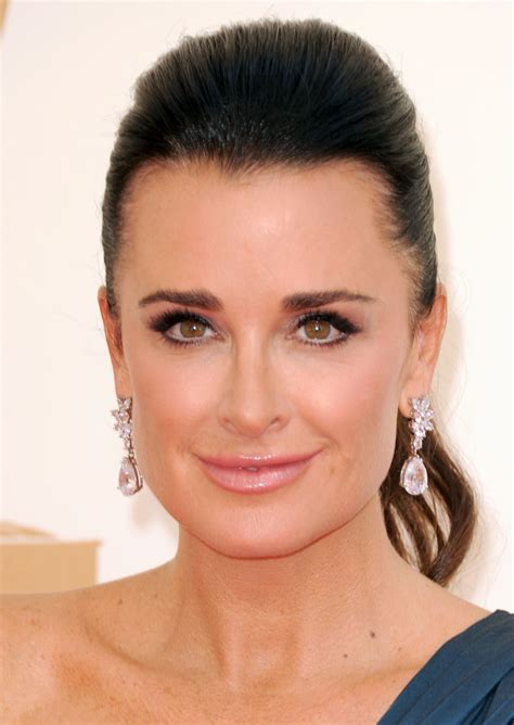 kyle richards needs to cut her hair more pics of kyle richards ponytail 1 of 12 ponytail