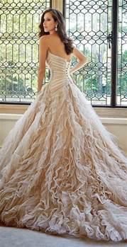 Backyard Fall Wedding 23 Elegant And Classic Champagne Wedding Ideas Deer
