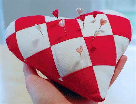 pattern for heart pincushion free quilt pattern heart shaped pincushion