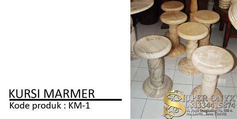 Meja Onyx kerajinan batu marmer tulungagung pengrajin batu alam