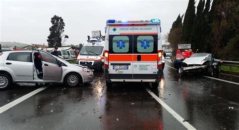 ospedale porto san giorgio porto s giorgio frontale sulla statale tre persone