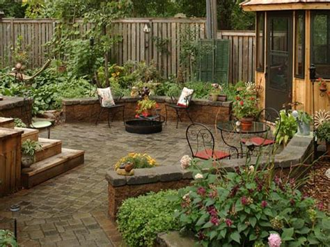 Design Backyard Patio 31 Amazing Design Ideas For A Small Outdoor Space