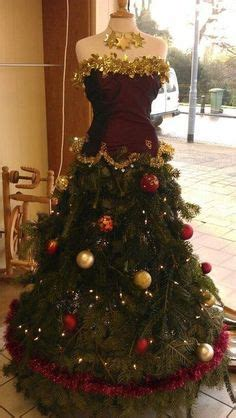 best way to dress a christmas tree 1000 images about dress form trees on tree dress dress form