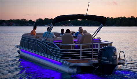 boat lights at a guide to pontoon lights reviews and ideas 187 boating focused
