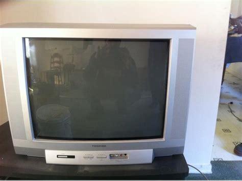 Tv Toshiba 19 Inch free 19 inch toshiba tv central saanich