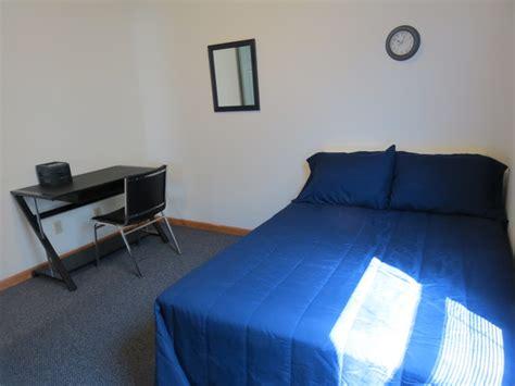 bedroom apartments uiuc hunsinger apartments rentals urbana il apartments com