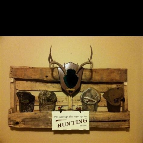 camo hunting bedroom for the home pinterest 1000 ideas about hunting theme bedrooms on pinterest