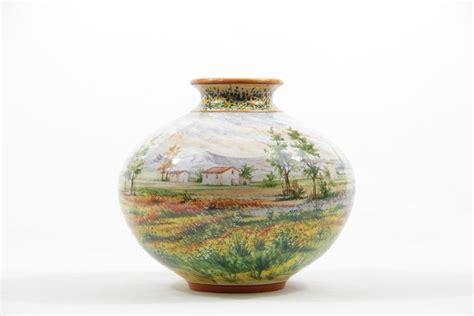 vaso panciuto vaso in ceramica abruzzese paesaggio a colori liberati