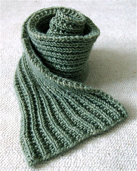beginning knitting projects 25 scarf knitting patterns the best of ravelry beyond
