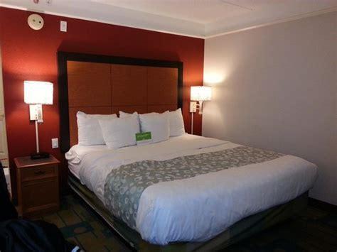ocala room room 218 king size bed picture of la quinta inn suites ocala ocala tripadvisor