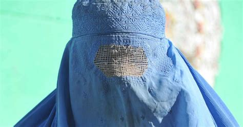 muslims   world   support full face burqa