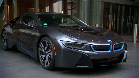 bmw ii8 lacking mirrors bmw i8 gives clear rear views cnet