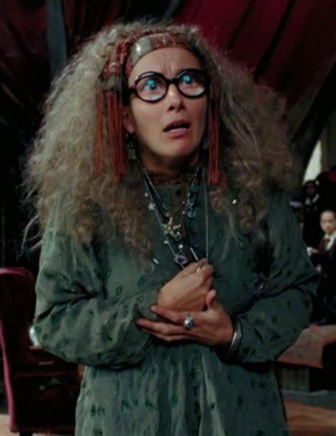 Harry Potter Professor Trelawney Promo Image Trelawney Png Harry Potter Wiki